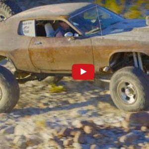 4×4 Muscle Car Desert Chase on Mad Maxxis Off-Road Runner